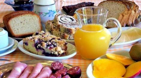 Baboseira do dia: Tomar café da manhã ajuda o cérebro a funcionar melhor e a emagrecer